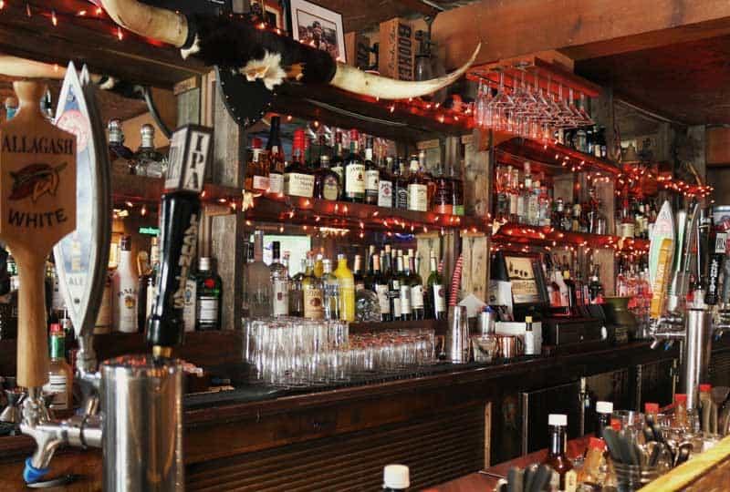 tinhorn bar