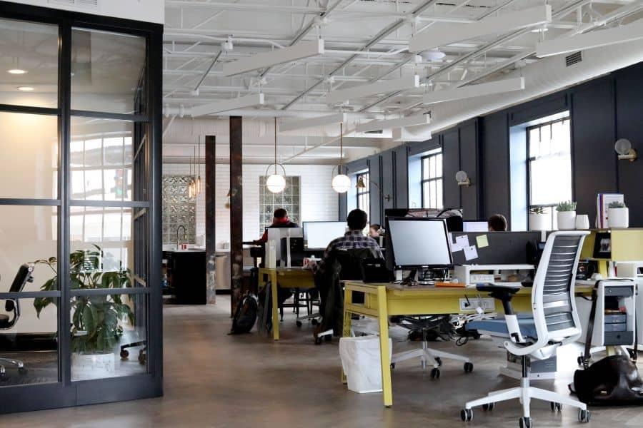 digital employee management. Photo by Venveo on Unsplash