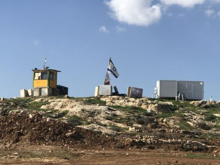 Efrat-a new Efrat suburb; in the photo Eitam makeshift synagogue and flag of Israel. A prosperous Efrat suburb to follow