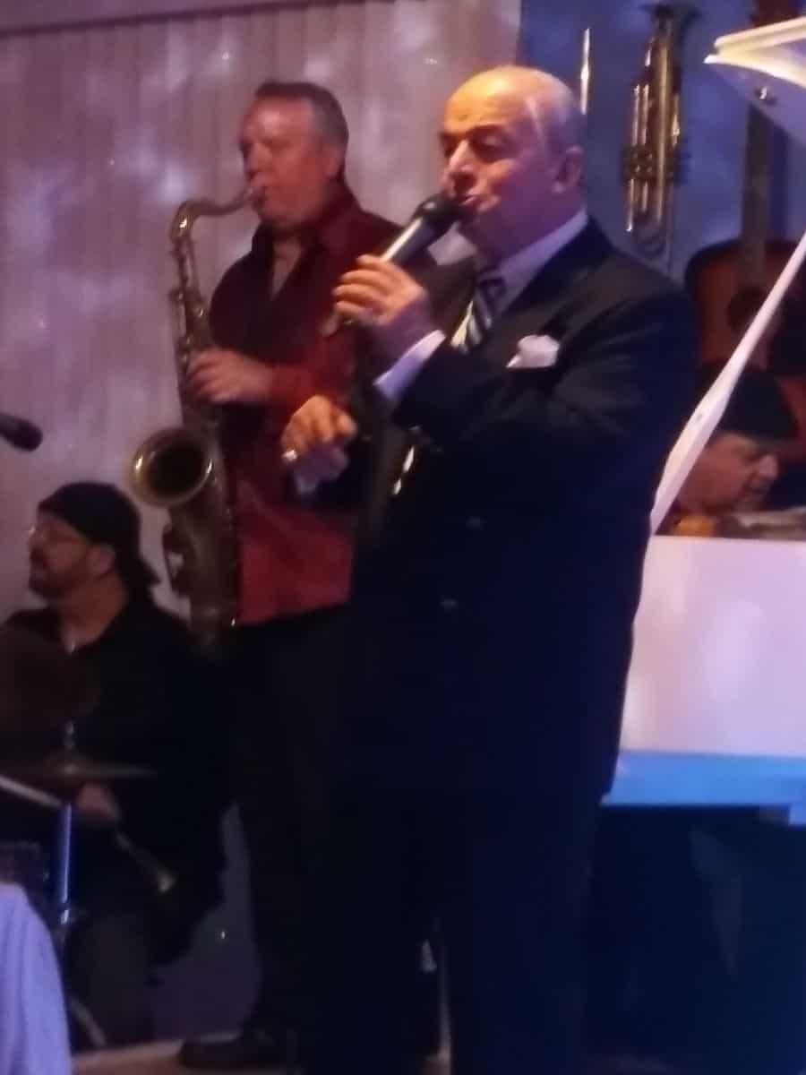 michael leonetti performing sinatra.
