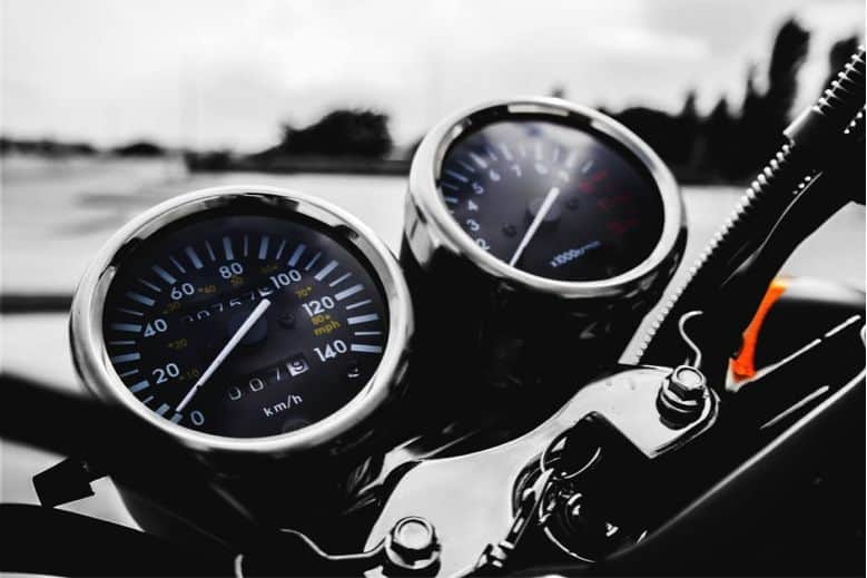 motorcycle safety tips. Image by Pexels from Pixabay