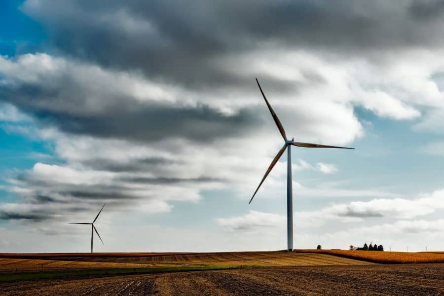 windmills and renewable energy trends. image by free-photos from pixabay