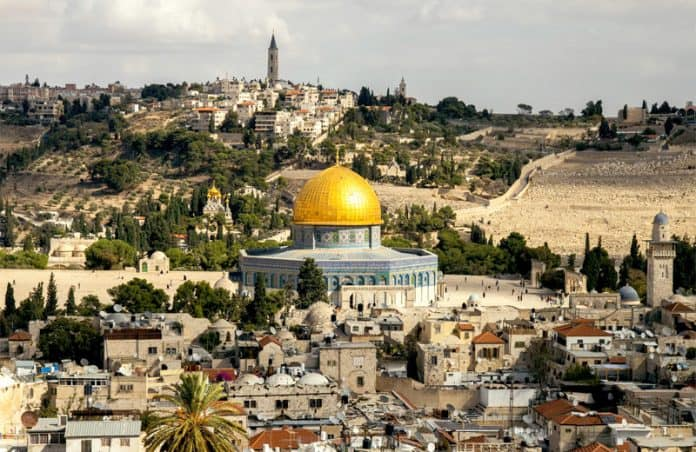 temple mount, dome of the rock by sander crombach on unsplash