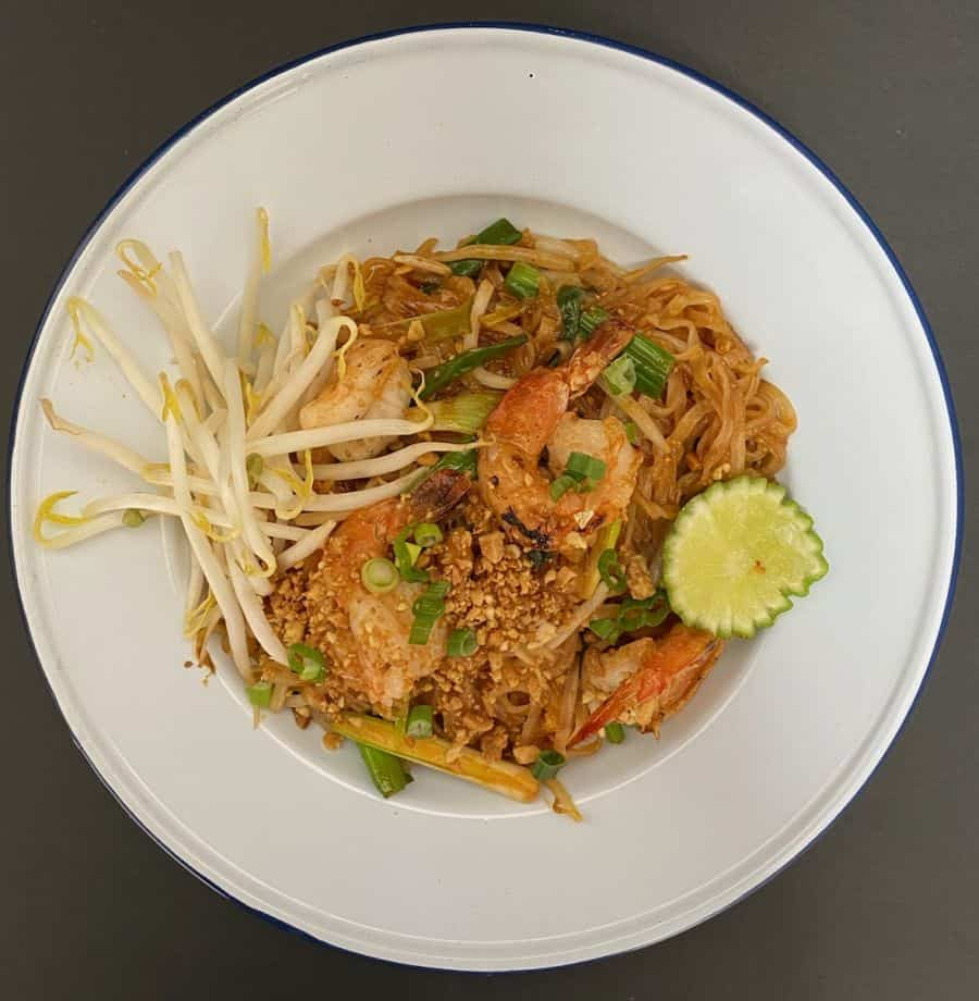 Pad Thai at Ma Kin restaurant
