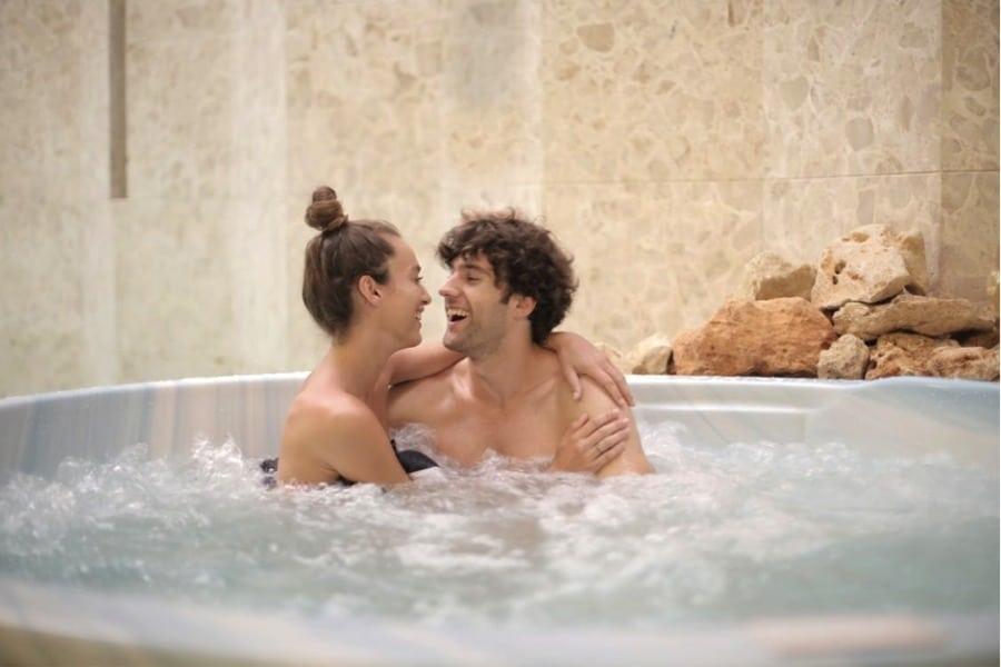 hot-tub. pexels image.