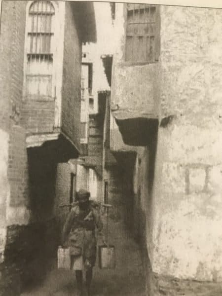 Baghdad's old jewish quarter where one could shake hands with a neighbor across the balcony - Photo credit Joe Samuels