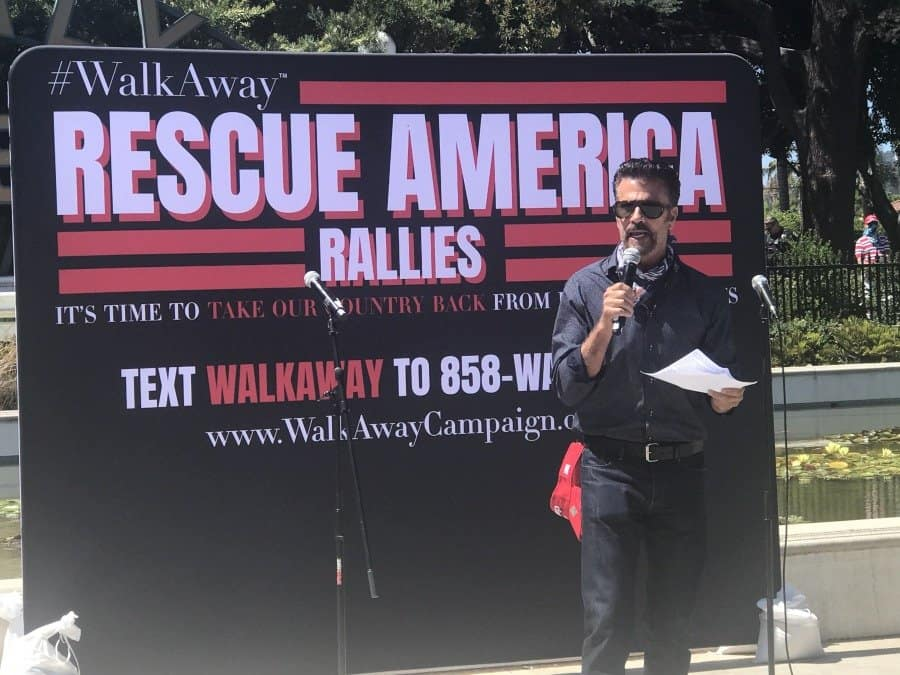 Rescue America rally-actor Lorenzo Lamas speaks - Photo credit Nurit Greenger