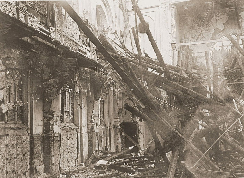 aachen synagogue destroyed in kristallnacht. public domain image.