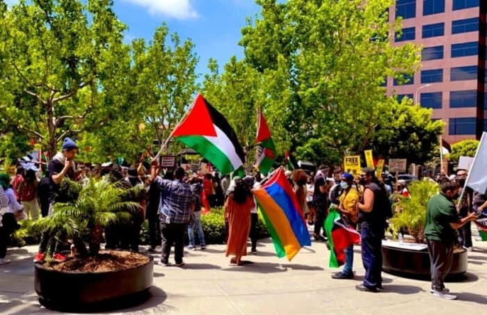 Armenian Dashnak groups join anti-Israeli protest in Los Angeles in front of Israel's Consulate building. Source: Nurit Greenger