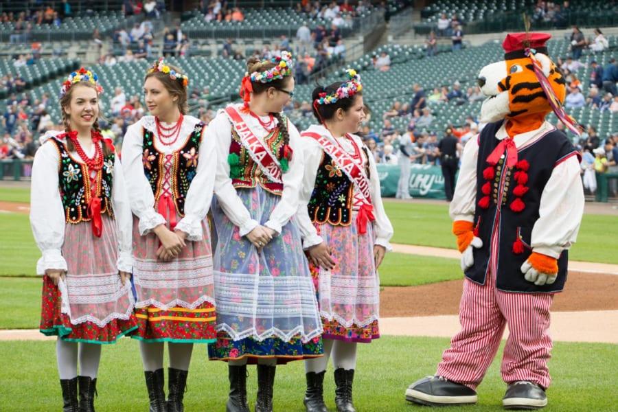 Polish American Heritage Night Dancers. Photo by Lars Hjelmroth