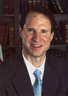 Senator Ron Wyden official portrait