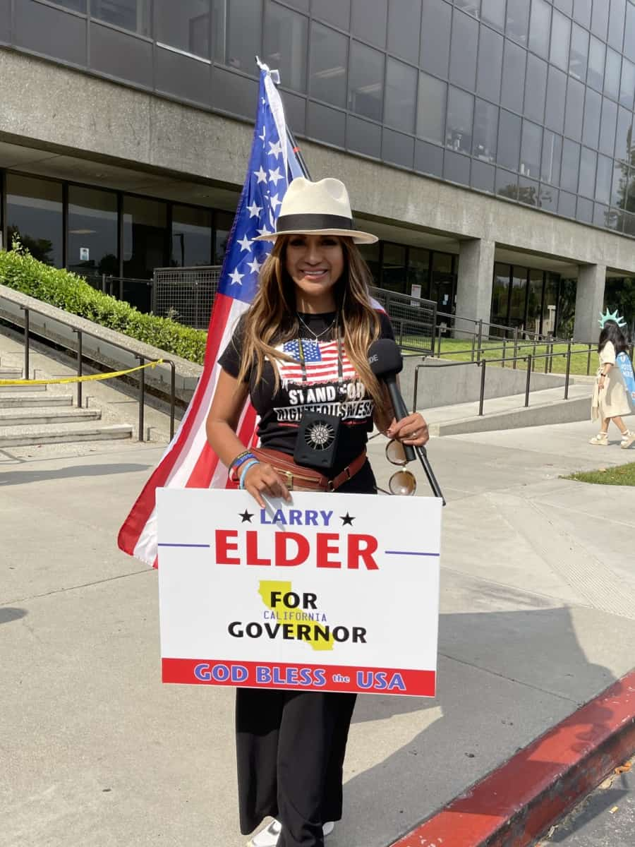 Larry Elder for Governor supporter. Photo: Nurit Greenger.